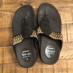 Sketchers Tone up's size 6